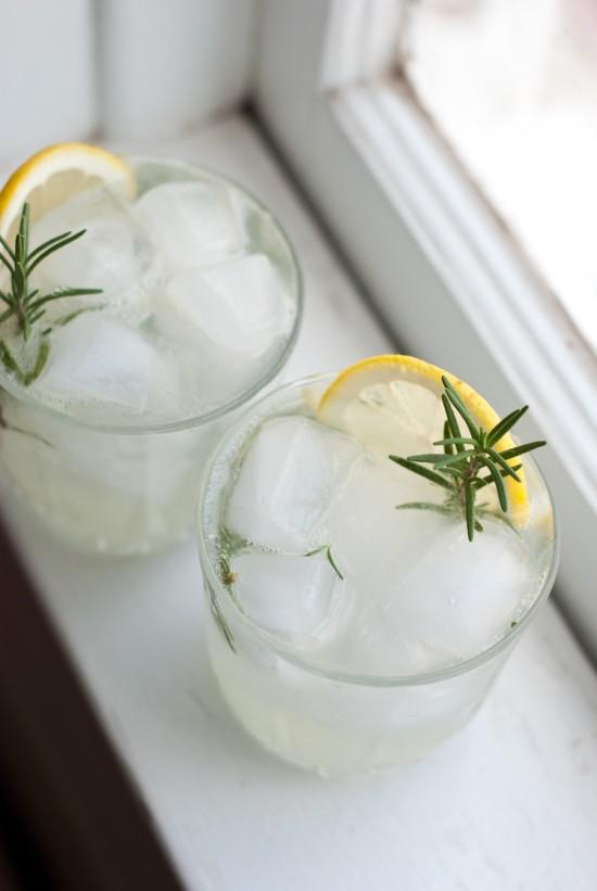 rosemary-gin-fizz-3-550x821