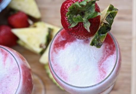strawberry-pina-colada-recipe-easy-1024x710