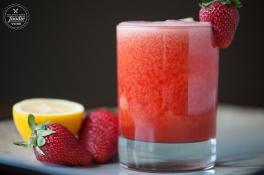strawberry-lemonade-whiskey-sour-side