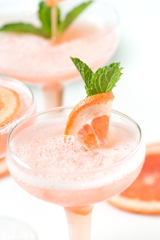 frozen-rose-grapefruit-cocktail-4