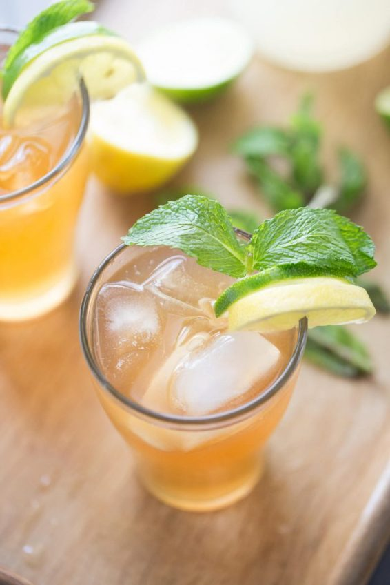 Lemonade-Moscow-Mule-Cocktail-Recipe-3-700x1050