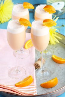 Pineapple-Orange-Creamsicle-Mimosas6