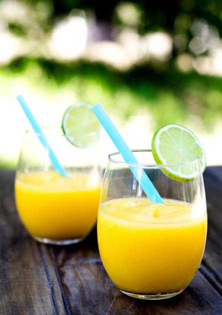 Vodka-and-Mango-Frozen-Cocktails1