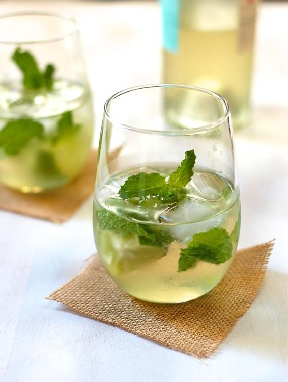 White-wine-mojito-3